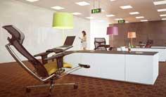 Ergonominen työtuoli ja työpiste mPosition toimistolla, hyvät ergonomiset työtuolit toimistoon